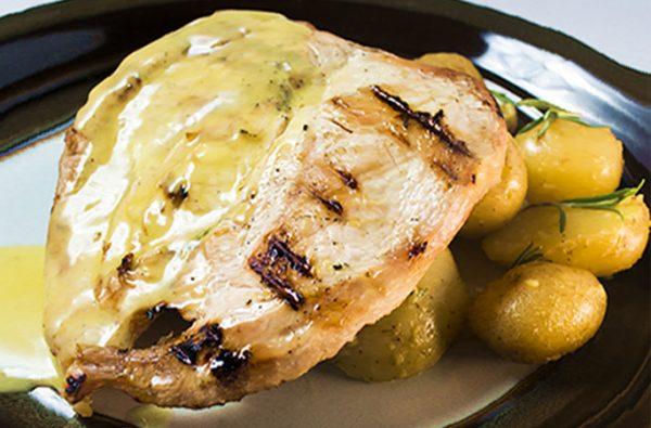 Φιλέτο κοτόπουλο με πατάτες baby